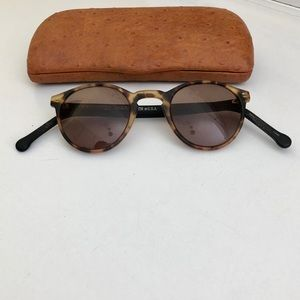 VINTAGE DAKOTA SMITH ROUND TORTOISE SUNGLASSES
